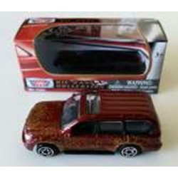 Toyota Land Cruiser Red Motor Max 1-64 Scale